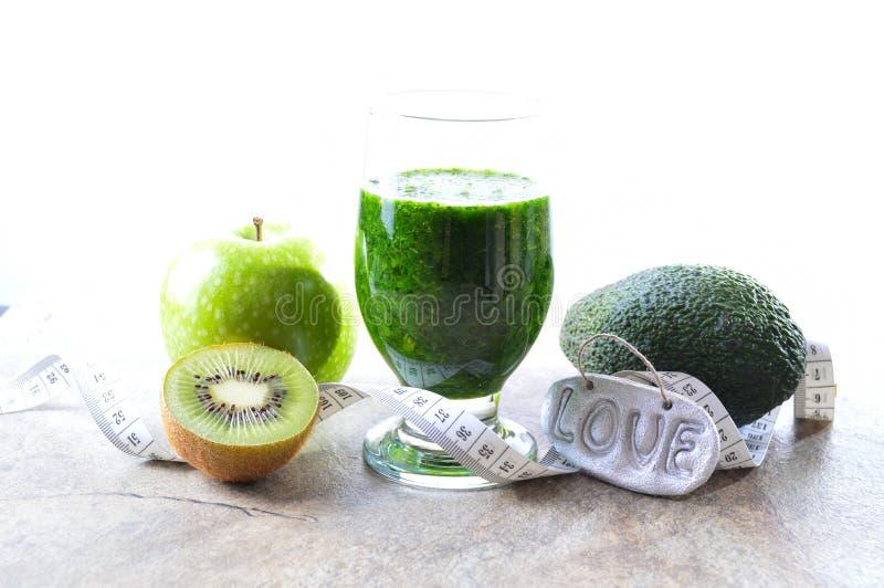 Bevanda sana Smoothie verde Dieta e disintossicazione fotografie stock libere da diritti