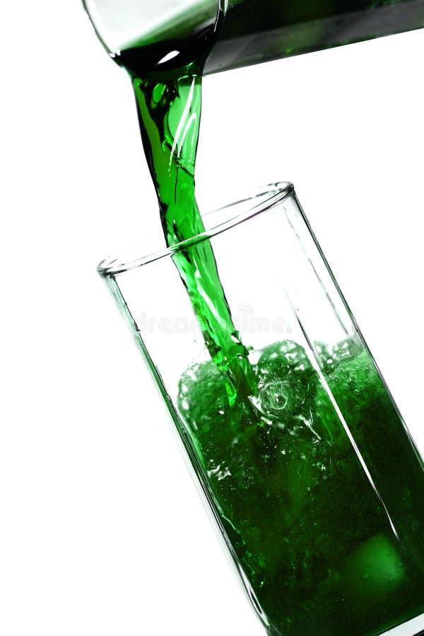 Bevanda verde del ghiaccio fotografie stock libere da diritti