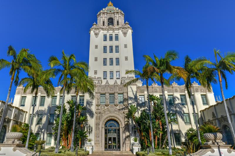 Beverly Hills City Hall - sydliga Kalifornien royaltyfria foton