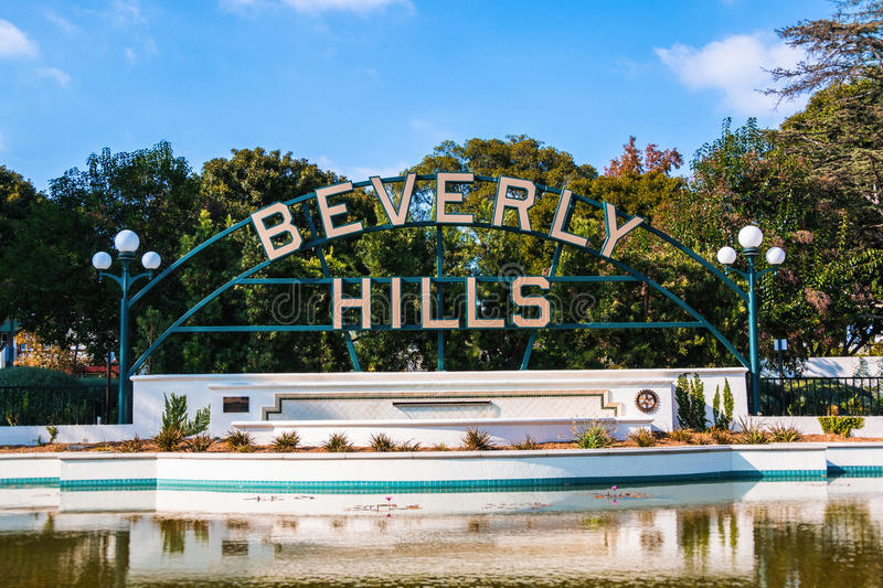 Beverly Hills Sign e stagno fotografie stock