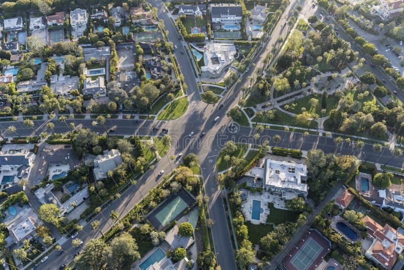 Beverly Hills Six Way Intersection antenn royaltyfria foton