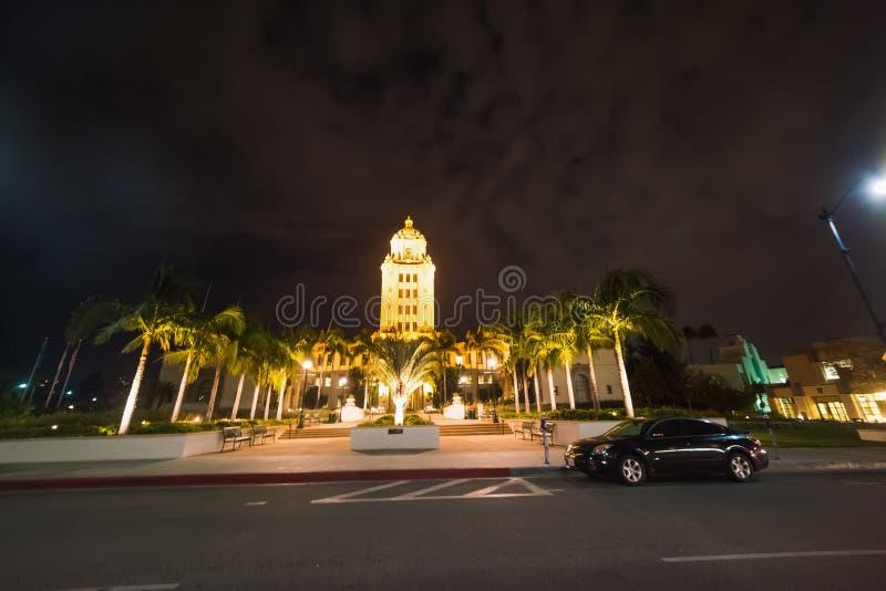 Beverly Hills stadshus vid natt royaltyfria bilder