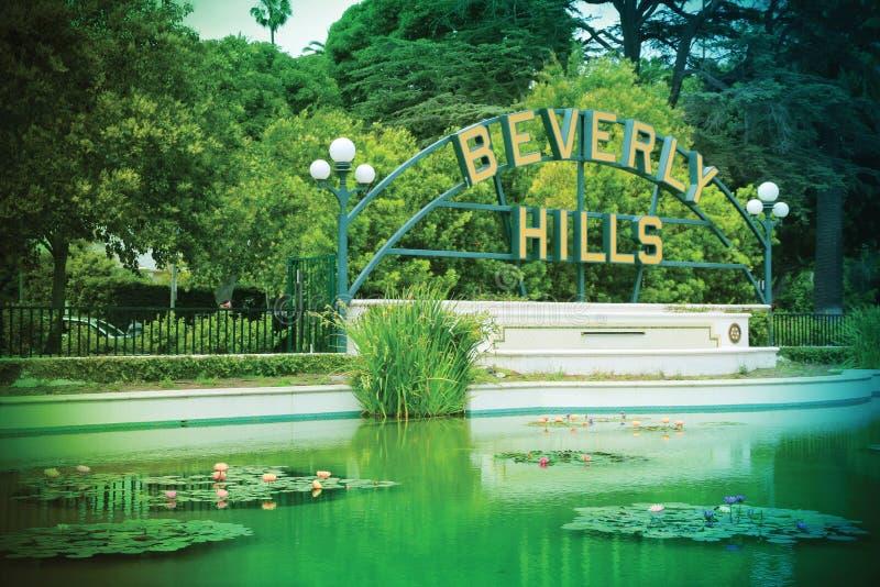 Beverly Hills tecken på Beverly Gardens Park, Los Angeles arkivfoto