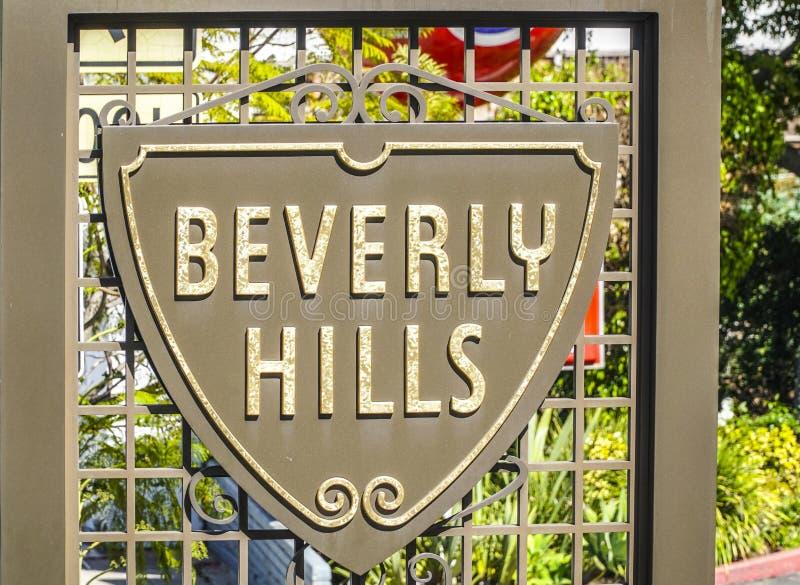 Beverly Hills tecken på trottoaren - LOS ANGELES - KALIFORNIEN - APRIL 20, 2017 royaltyfria foton