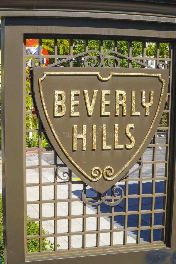 Beverly Hills tecken på trottoaren - LOS ANGELES - KALIFORNIEN - APRIL 20, 2017 arkivbild