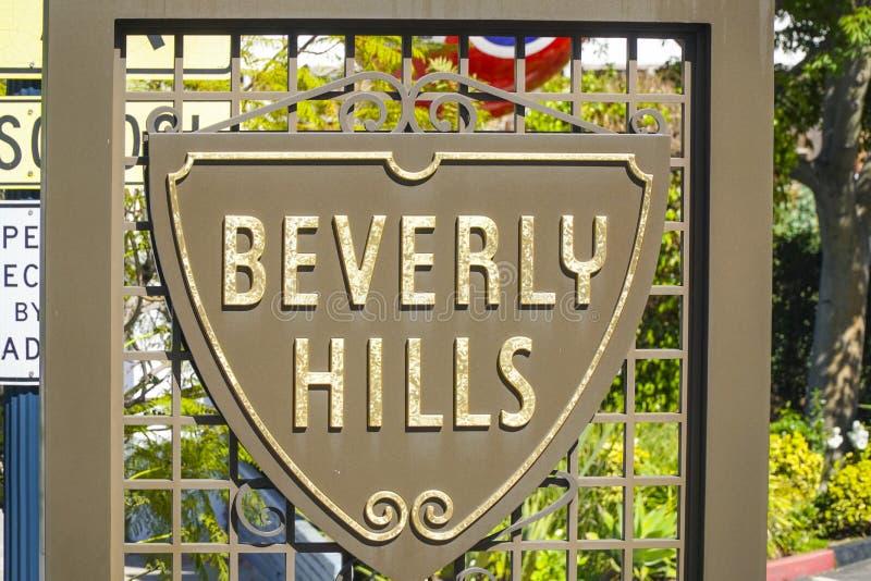 Beverly Hills tecken på trottoaren - LOS ANGELES - KALIFORNIEN - APRIL 20, 2017 royaltyfri bild