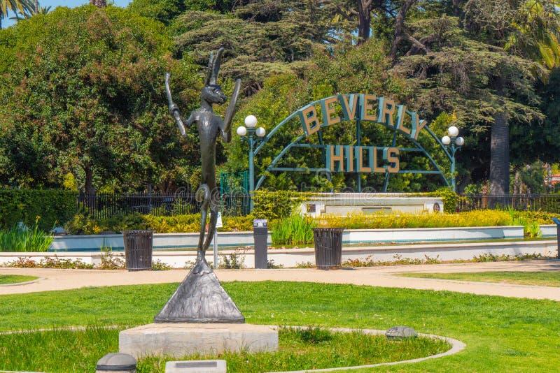 Beverly Hills tecken p? Santa Monica Blvd - KALIFORNIEN, USA - MARS 18, 2019 arkivbild