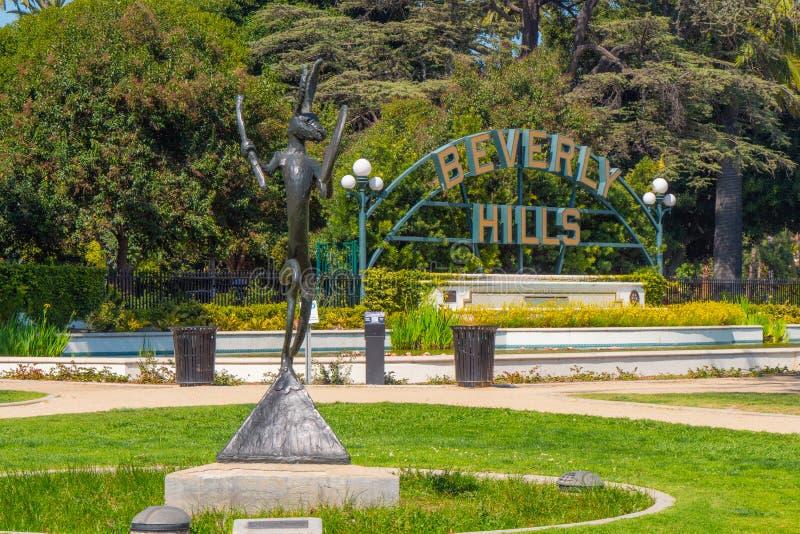 Beverly Hills tecken p? Santa Monica Blvd - KALIFORNIEN, USA - MARS 18, 2019 royaltyfri foto