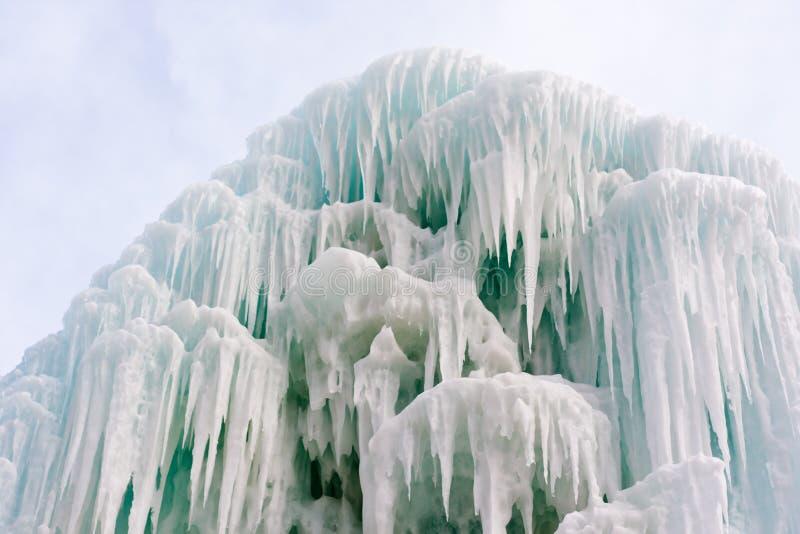 Bevroren fontein stock afbeeldingen