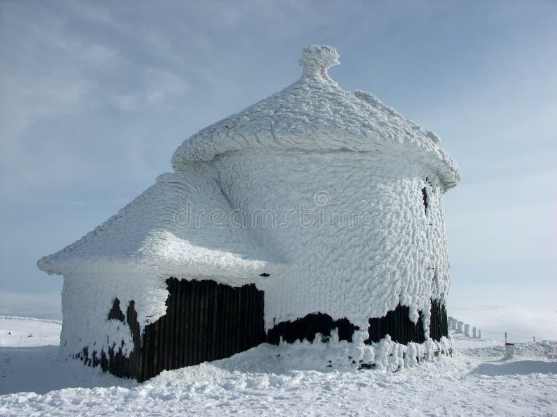 Bevroren kerk stock afbeelding