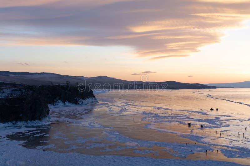Bevroren meer het Meer in van Rusland, Baikal in de winter, landschapsfotografie royalty-vrije stock foto