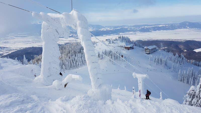 Bevroren Sneeuw bij ski in Charpatians Montains royalty-vrije stock foto's