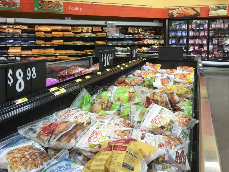 Bevroren voedsel in ijskast het verkopen stock afbeeldingen