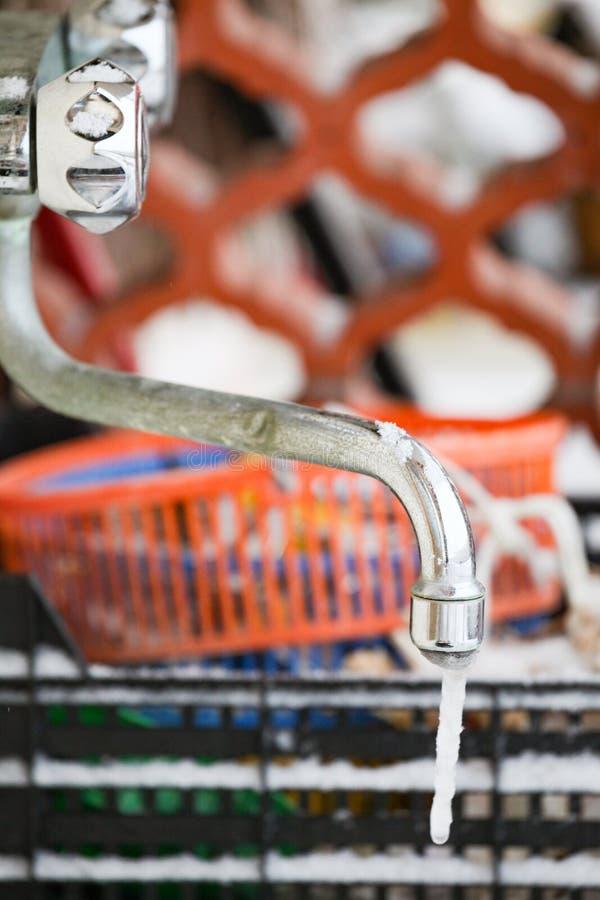 bevroren waterkraan stock foto's