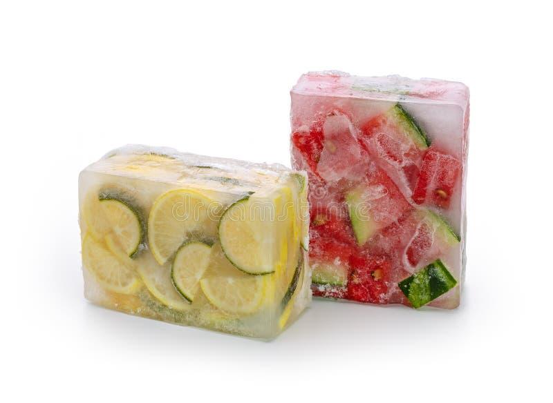 Bevroren watermeloen en citroenplakken stock fotografie