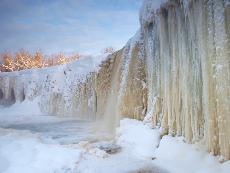 Bevroren waterval stock afbeeldingen