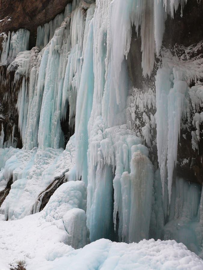 Bevroren Watervallen Chegemwatervallen Rusland stock foto's