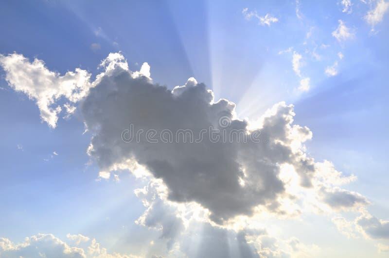 Bewölkter Himmel lizenzfreies stockbild