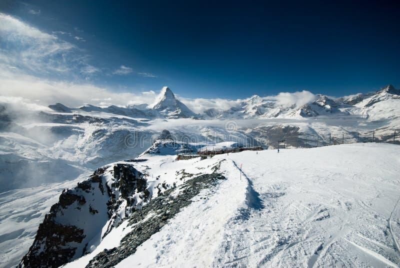 Bewölkter Matterhorn stockfotos