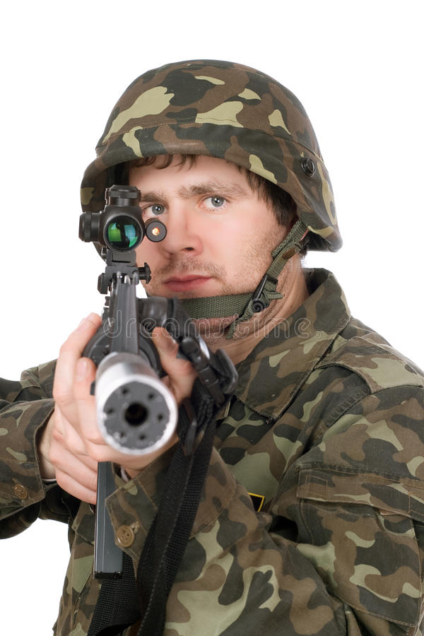 Bewaffneter Soldat, der m16 zielt lizenzfreies stockfoto