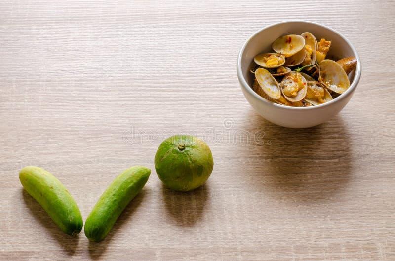 Beweeg Fried Clams met Geroosterd Chili Paste, Thais voedsel royalty-vrije stock afbeelding