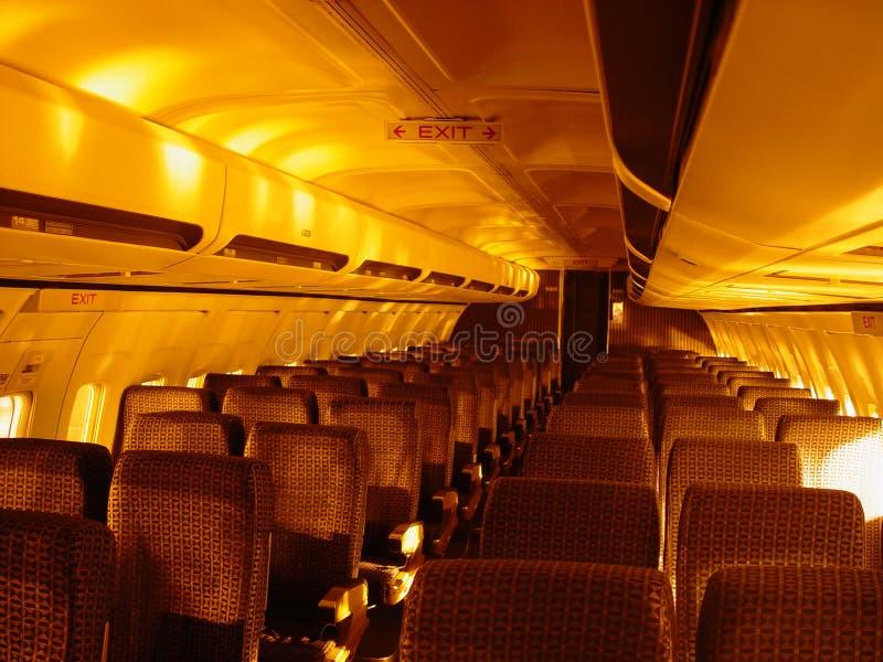 Download Bewegen Sie Sich In Richtung Zum Ausgang Stockfoto - Bild von fall, verkehrsflugzeug: 42620