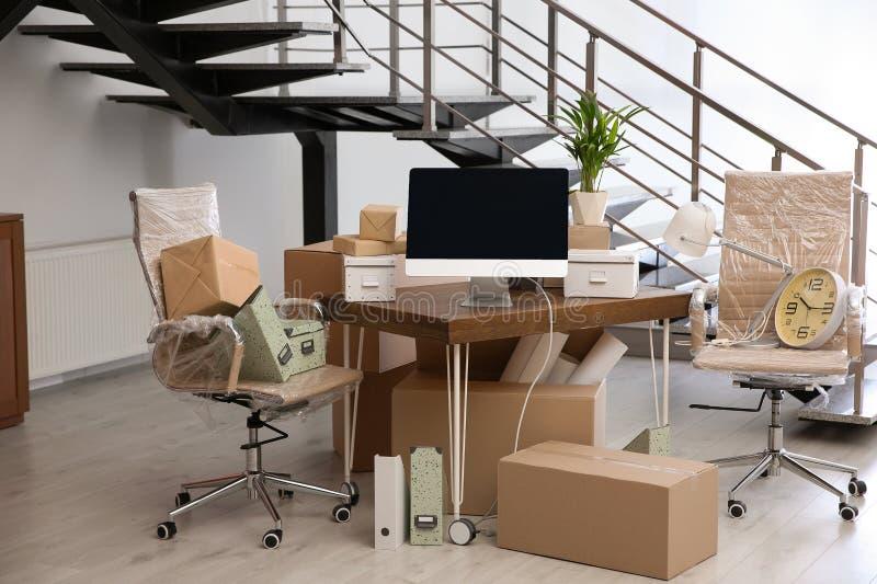Bewegend dozen en meubilair royalty-vrije stock foto