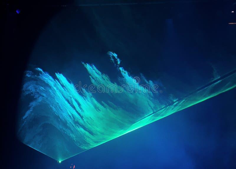 Bewegende LED-Gleichheitsbeleuchtung auf BauLichtstrahl lizenzfreies stockbild