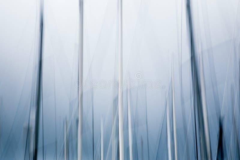 Bewegende mast van een zeilbootsamenvatting stock afbeeldingen