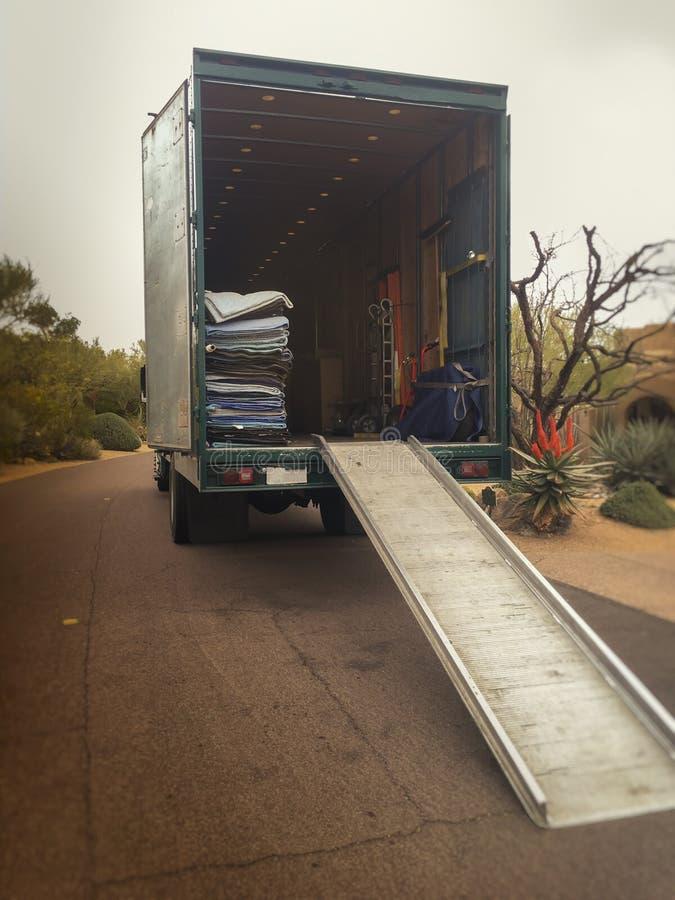 Bewegende vrachtwagen stock afbeelding