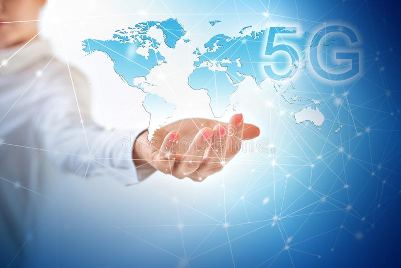 bewegliches drahtloses Konzept Internets 5G k Karte von den Händen Bestes Internet-Konzept des globalen Geschäfts von der Konzept lizenzfreie stockfotos