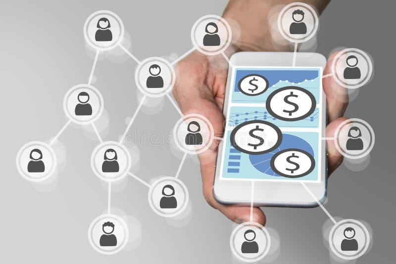 Bewegliches Zahlungskonzept mit Smartphone und Sozialem Netz lizenzfreies stockbild