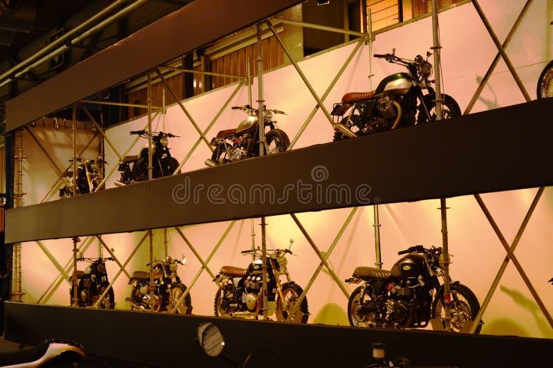 Bewegungsfahrradausstellung, Motorradcaférennläufer stockfoto