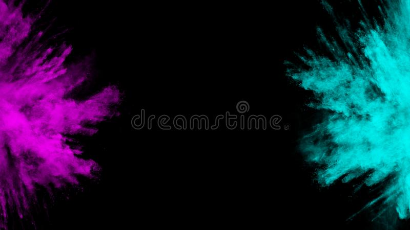 Bewegungsrosa und hellblaue Tintenzusammenfassung mit schwarzem Hintergrundstaubexplosions-Entwurfspulver stockfoto