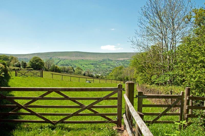 Bewirtschaften Sie Zugang in den schwarzen Bergen von Herefordshire, Vereinigtes Königreich lizenzfreie stockbilder