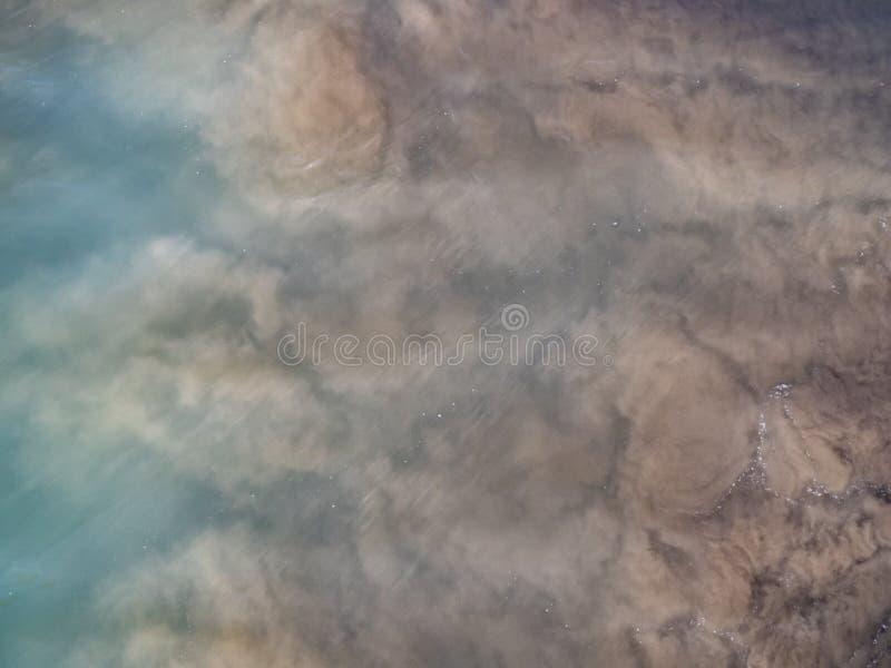 Bewolkt het roeren water in de Zuid-Pacifische Oceaan, Nieuw Zeeland royalty-vrije stock afbeelding