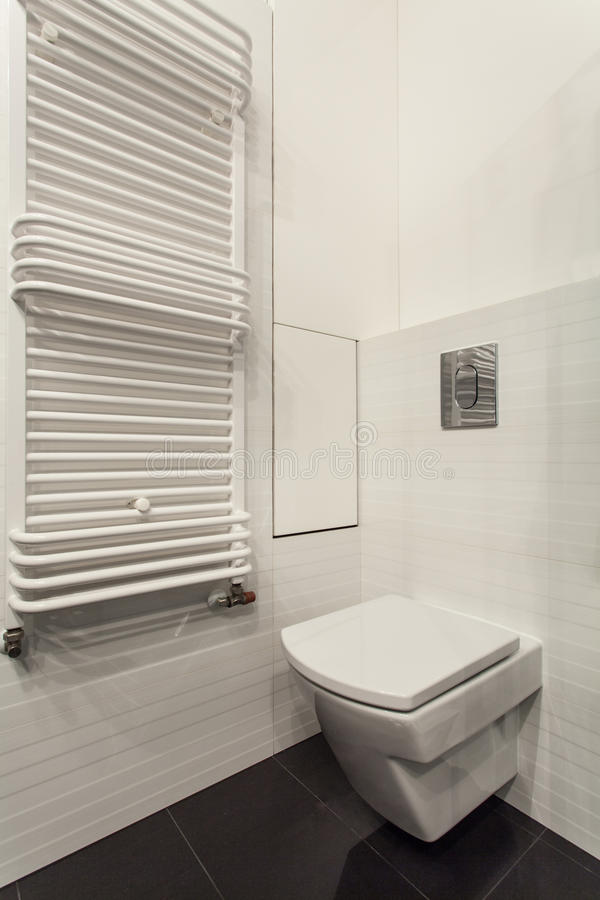 Bewolkt huis - badkamersspiegel royalty-vrije stock foto's