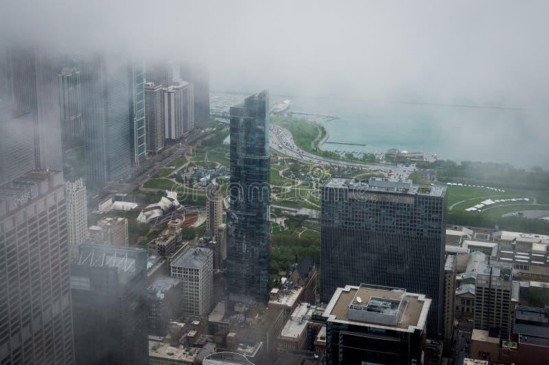 Bewolkte dag in Chicago van 360 Chicago vroeger John Hancock Observatory stock afbeelding