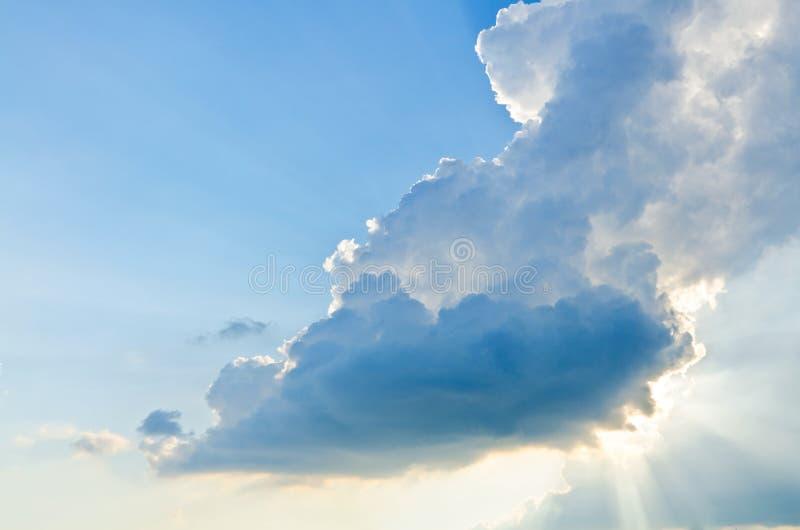 Bewolkte Stormachtige hemel, een Nieuwe Dag, Hoge Hoogte Dawn royalty-vrije stock foto