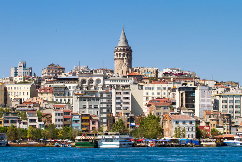 Beyogludistrict en Galata-toren royalty-vrije stock afbeeldingen