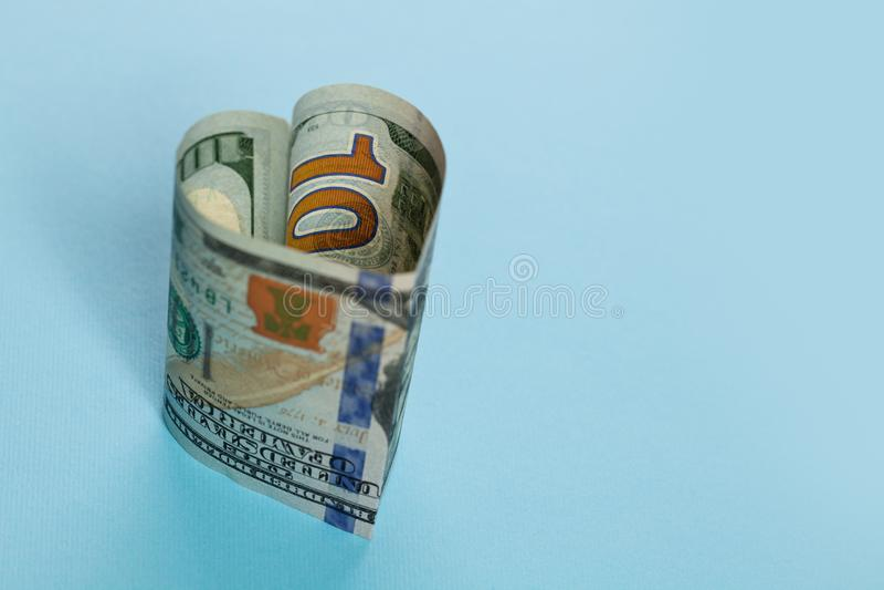 Bez przegranej i handlowego pieniądze zysku inwestorski pojęcie 100 USA dolarów pieniądze gotówkowego banknotu kierowy kształt na obraz stock