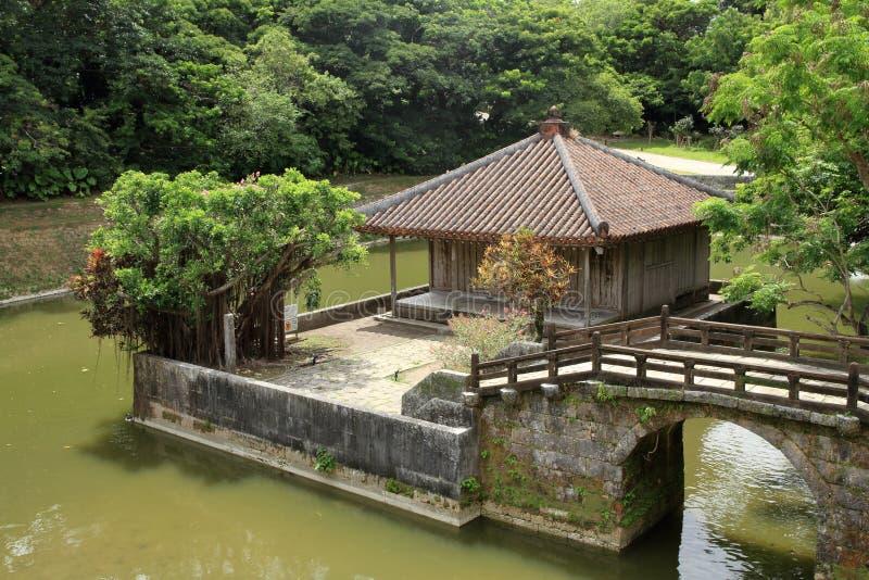 Bezaitendo y Enganchi acumulan en el castillo de Shuri, Naha, Okinawa imagen de archivo libre de regalías