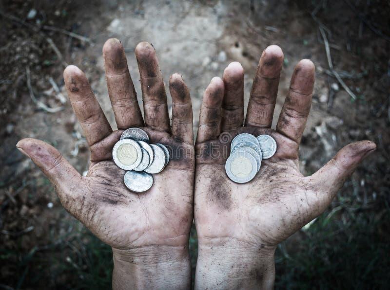 Bezdomna proszałna ręka mężczyzna z pieniądze obrazy royalty free
