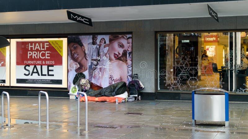 Bezdomny w miasto b zdjęcie stock