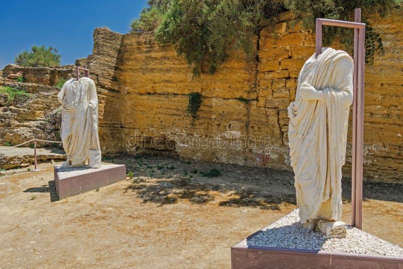Bezgłowe Romańskie statuy na pokazie w archeologicznym miejscu zdjęcia royalty free