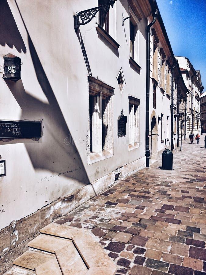 Bezienswaardigheden bezoekend Krakau Artistiek kijk in uitstekende levendige kleuren stock foto