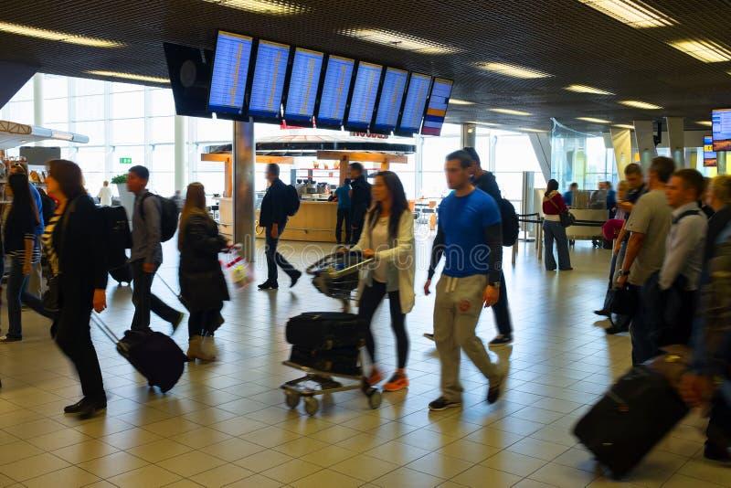 Bezig luchthavenbinnenland royalty-vrije stock foto's