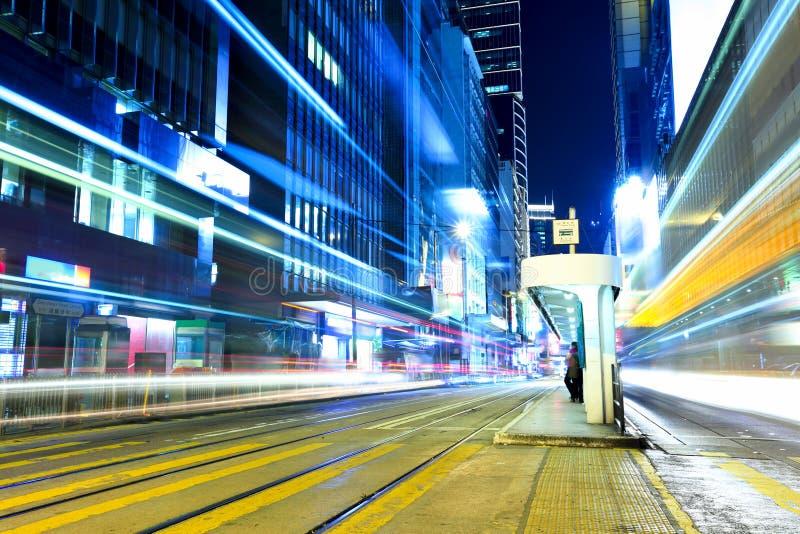 Bezig verkeer met trameinde in Hong Kong-stad stock foto