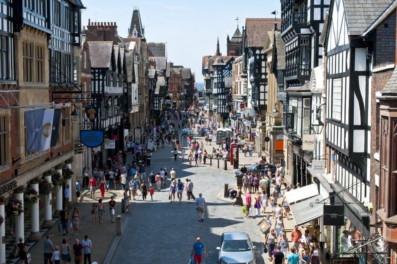 Bezige Foregate-Straat, Chester, Cheshire, het UK stock afbeeldingen