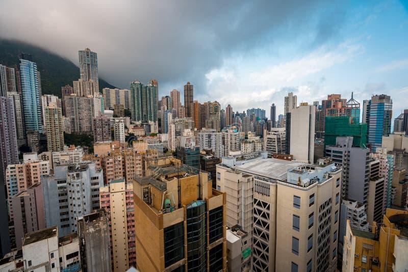 Bezige Hong Kong-horizon, woon en commerci?le gebouwen royalty-vrije stock foto's